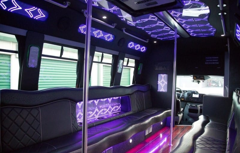 Standard Features You Should Expect to Get With a Limo Service